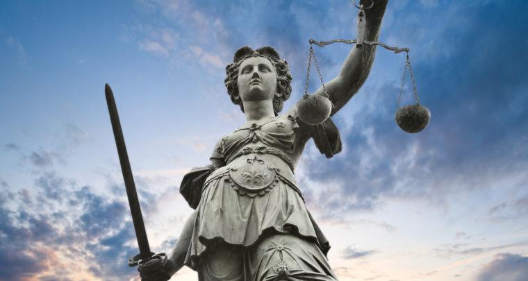Boginja pravde je gola