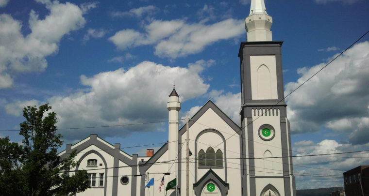 Vidimo se ispred džamije - ambasade