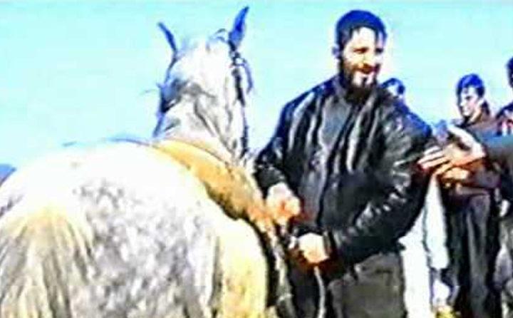 Zašto konj Nasera Orića (da je živ) ne bi izvršio samoubistvo kao konj Amira Zukića?