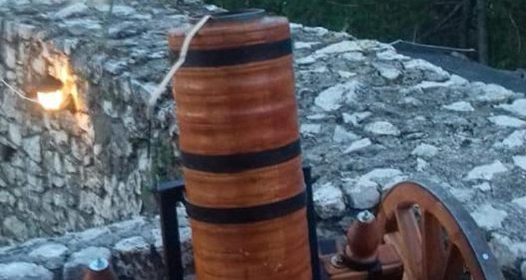 Namjenski top, poklon Sarajeva Velikoj Kladuši