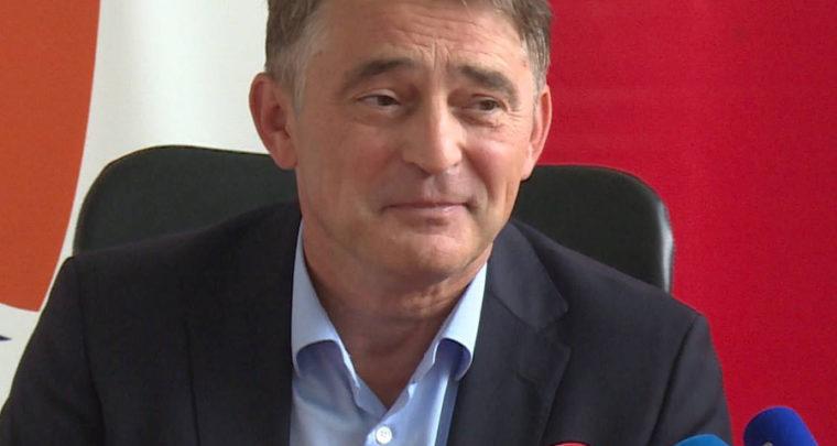 Željko Komšić-'turska baklava' na SDA sofri