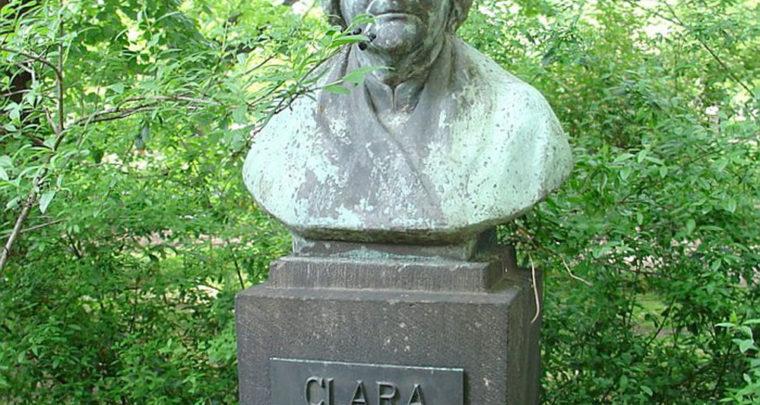 Po islamu, Clara Zetkin je bila razvratnica i bludnica