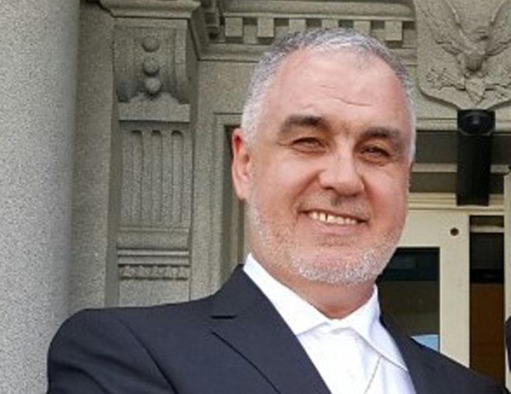 Fadil Novalić 'uhapšen', Reis Kavazović 'na respiratoru'